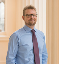 Dr Chris Jenner - Leading Pain Consultant in London UK